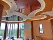 Окачени тавани - декоративни тавани с диодно осветление и опънати тавани в хол.